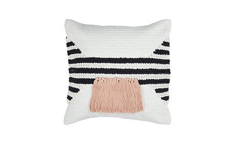 Juliet Pillow