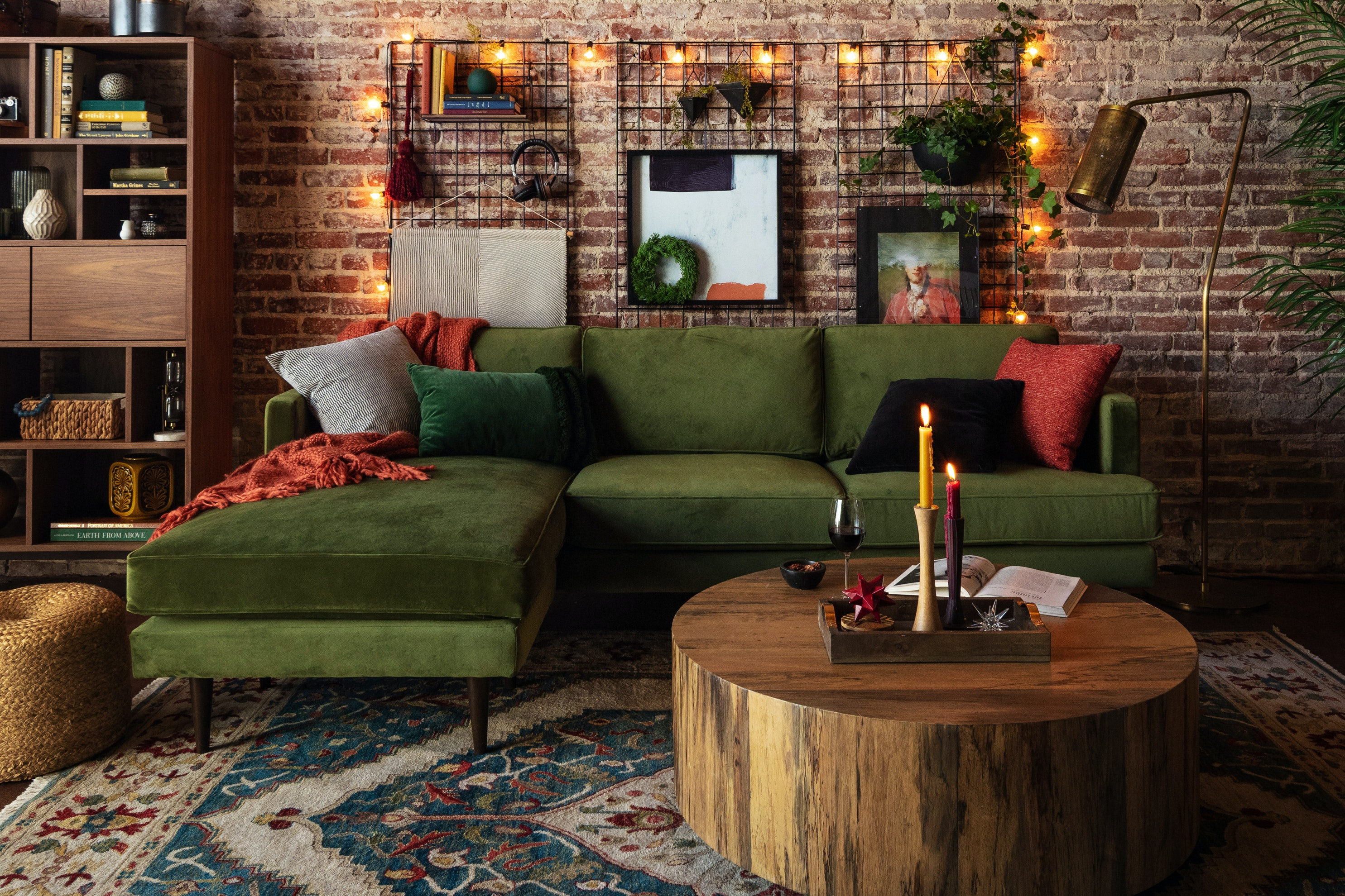 Preston Reversible Sectional Royale Forest (1) homepage 1x2