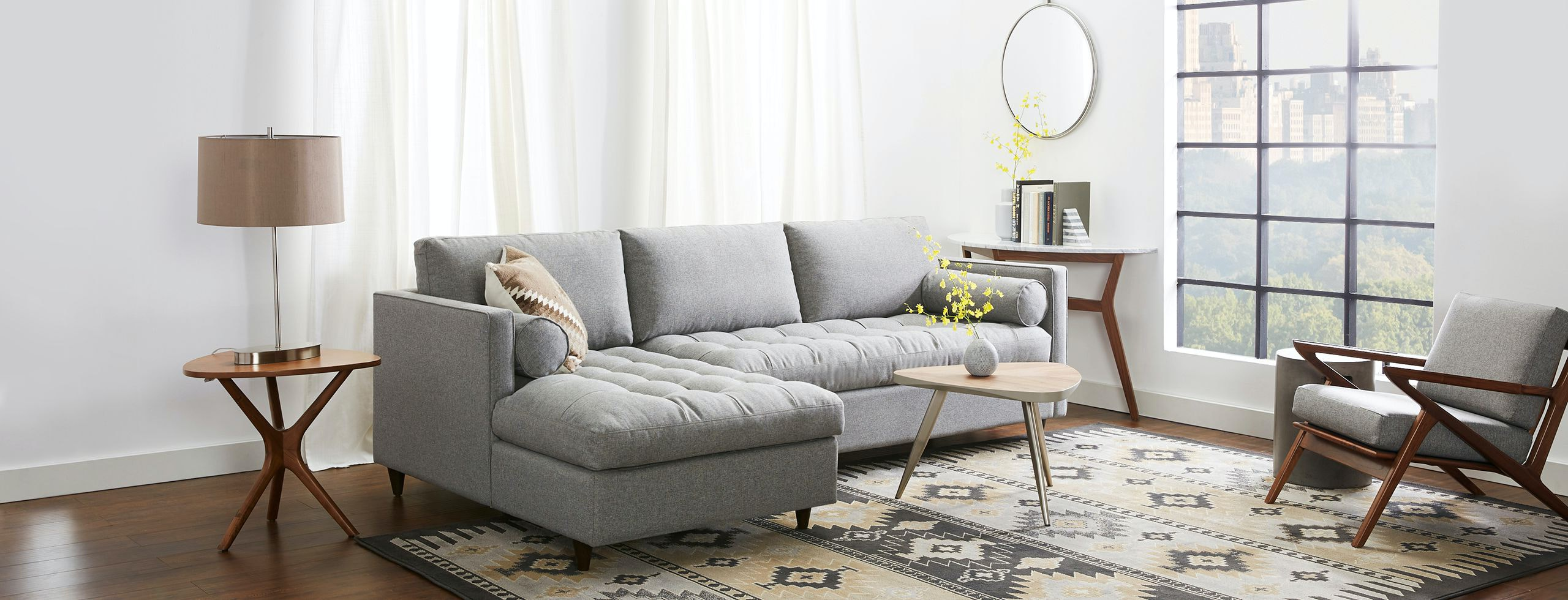 Charmant Briar Sectional With Storage