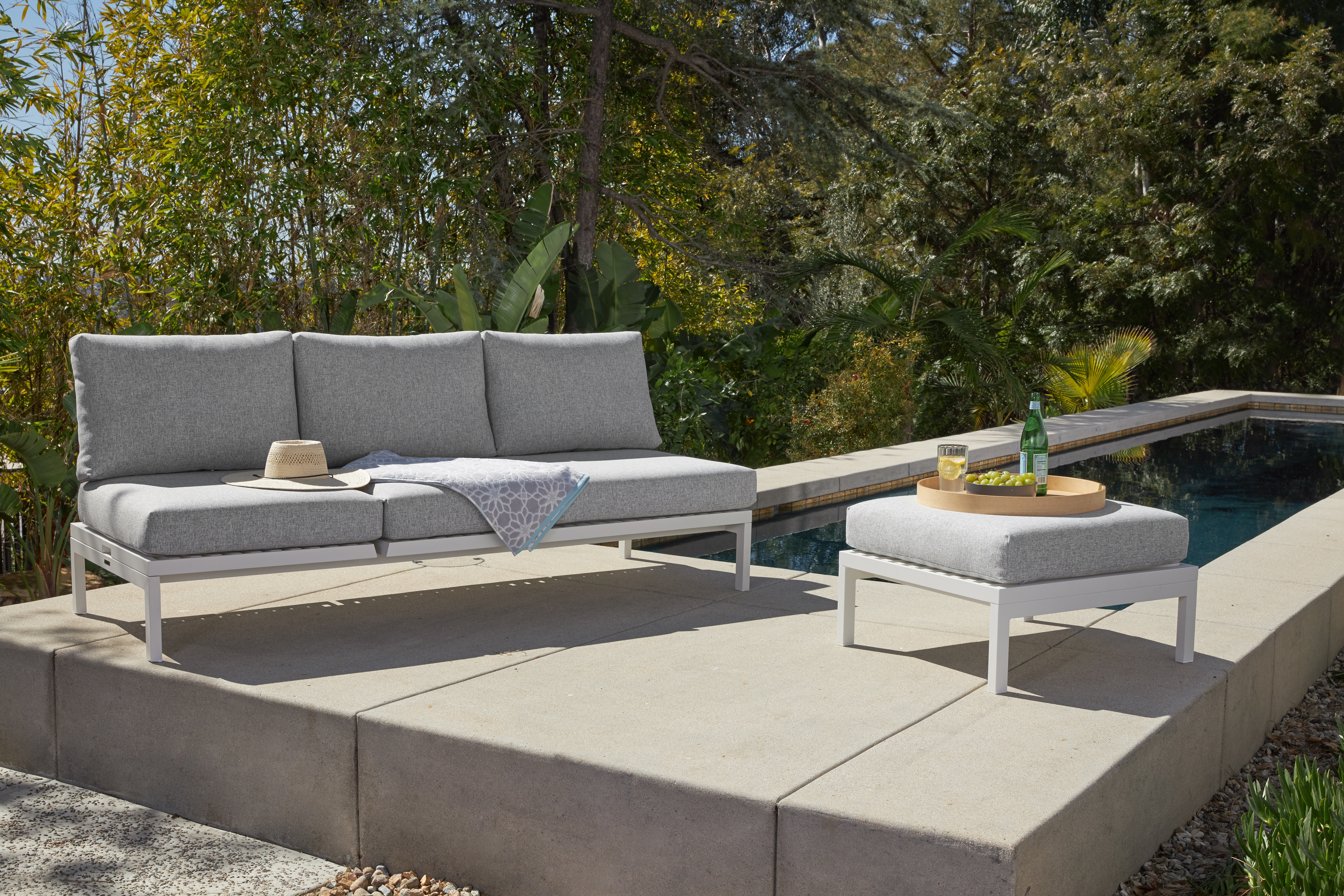 Scout Outdoor Convertible Sofa - Lounge