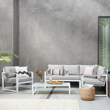 Laurel Outdoor Collection
